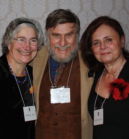 Roberta J. Apfel, Bennett Simon és Mészáros Judit a díjátadón
